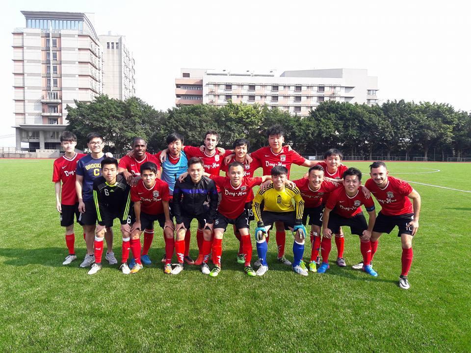 東華大學足球代表隊合照